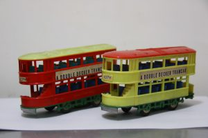 除了手造模型,Eric也會收藏舊款電車模型, 圖為70年代行駛電車。(受訪者提供)