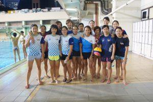 現役女子水球隊隊員。